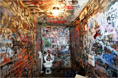 cbgb+bathroom
